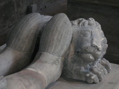 Feet with lion